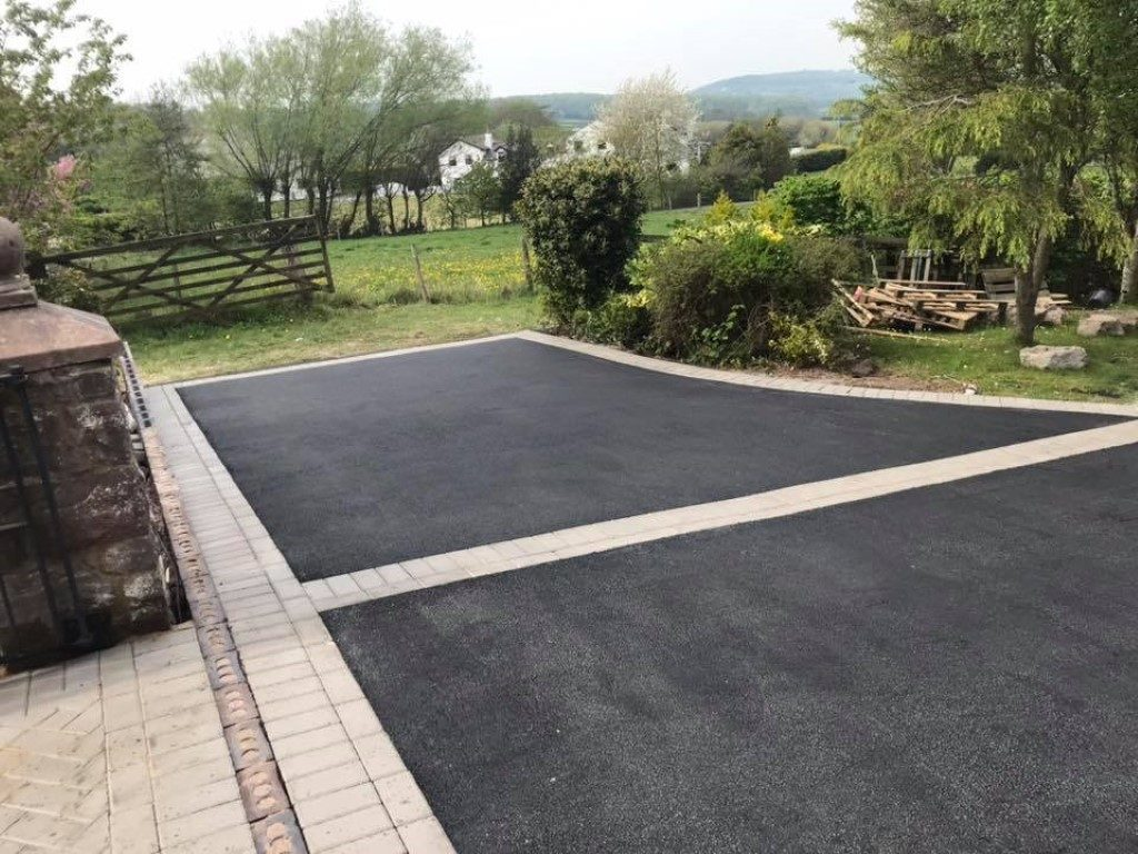 Tarmac Driveway Laid By BM Paving in Leighton Buzzard